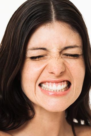 Come correttamente ed efficacemente pulire una faccia