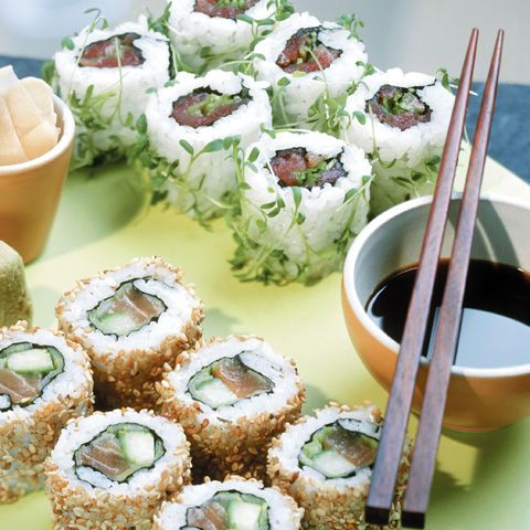 Ura maki con tonno e salmone