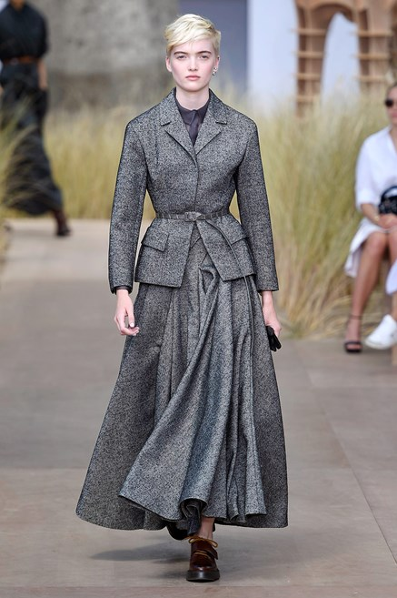 46da54255716 Sfilate di Moda - Christian-Dior - Haute Couture Autunno Inverno ...