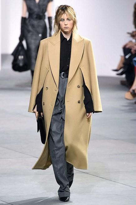 Sfilate di Moda - Michael-Kors - Donna Autunno Inverno 2017-18 - IoDonna 5c89d32fce5