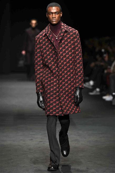 Sfilate di Moda - Versace - Uomo Autunno Inverno 2017-18 - IoDonna 30edb1bce4b