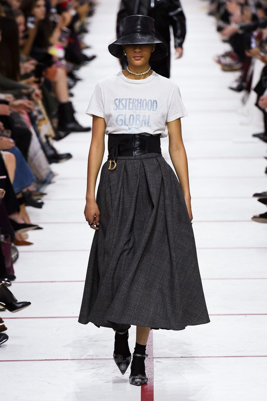 cb509490ef Sfilate di Moda - Christian-Dior - Donna Autunno Inverno 2019-20 ...