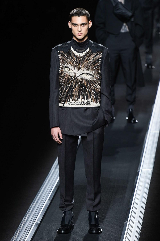 705ba347680a4 Sfilate   Autunno Inverno 2019-20 Uomo Dior Homme Le foto delle sfilate  prêt à porter in diretta da New York