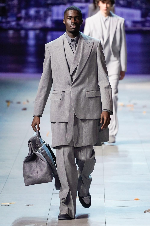 f804193e697a Sfilate di Moda - Louis-Vuitton - Uomo Autunno Inverno 2019-20 - IoDonna