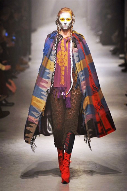 Sfilate di Moda - Vivienne-Westwood - Donna Autunno Inverno 2013 ... b2d7646ee85