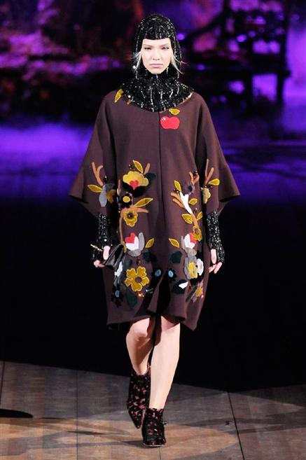 Sfilate di Moda - Dolce-e-Gabbana - Donna Autunno Inverno 2014-15 - IoDonna d3af34adfcf