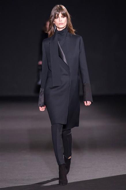 b8f877264250 Sfilate di Moda - Costume-National - Donna Autunno Inverno 2015-16 ...