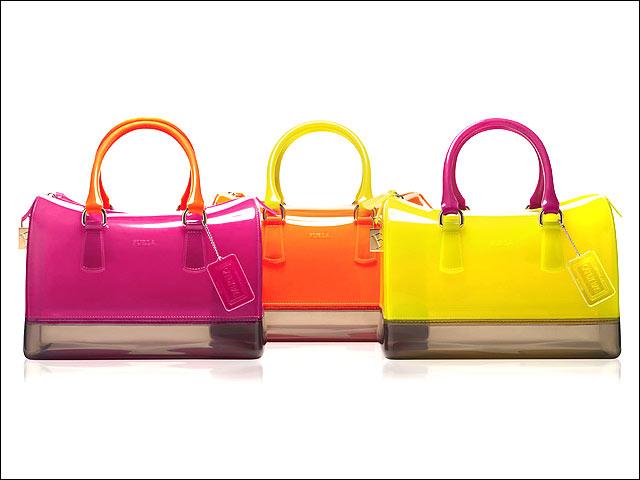 Candy bag di pvc Furla (180 €).
